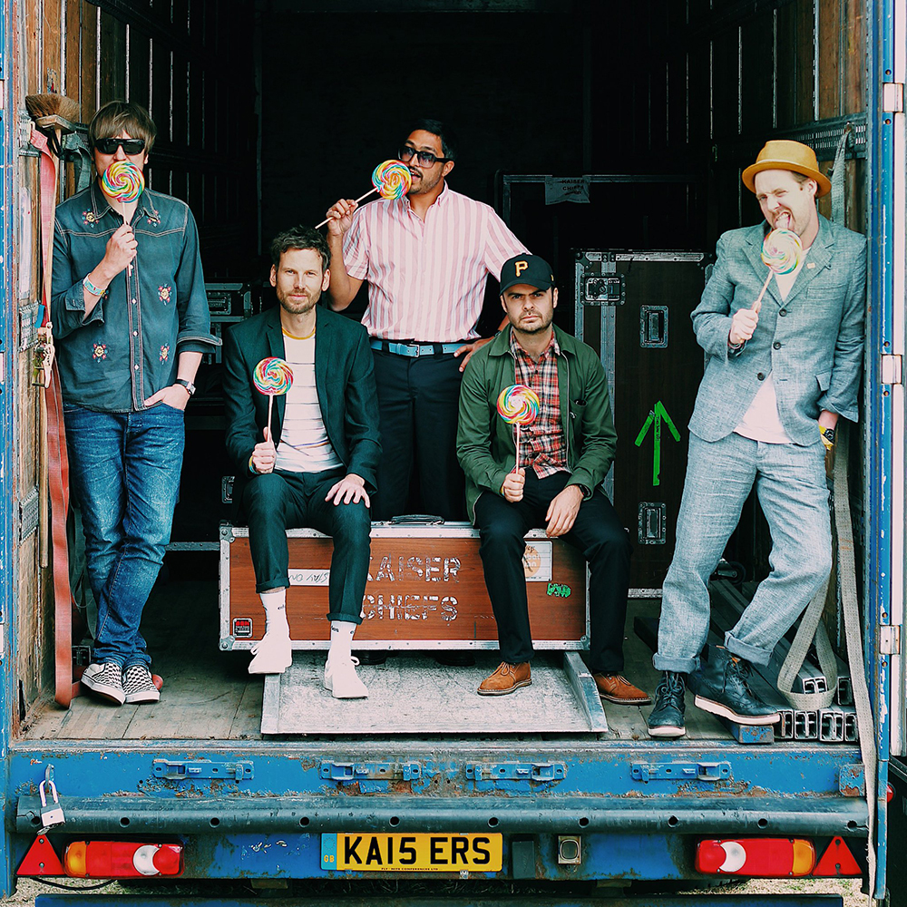 Kaiser Chiefs - Live at the Links